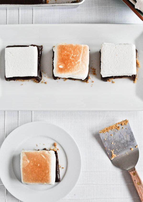 No-Bake S'mores Bars   howsweeteats.com