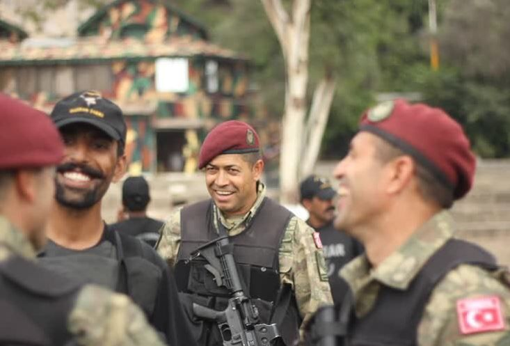 Şehit Piyade Astsubay Kıdemli Başçavuş Ömer Halisdemir Pakistanla yaptığımız 3 yıl önceki tatbikattan 1 hatıra.  Ruhun Şad Olsun Yiğit İnsan