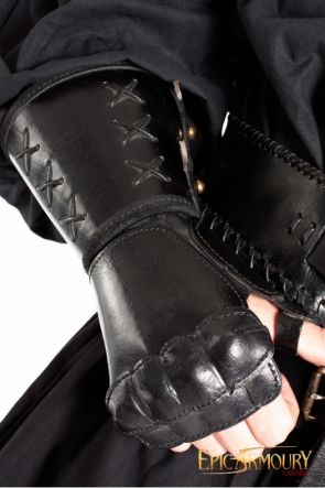 Right Black Leather Gauntlet