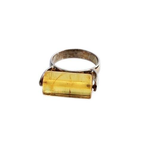 Anello in Ambra del Baltico con montatura in Argento 925 £35