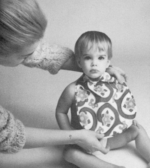 Brooke Shields childhood photo  http://celebrity-childhood-photos.tumblr.com/