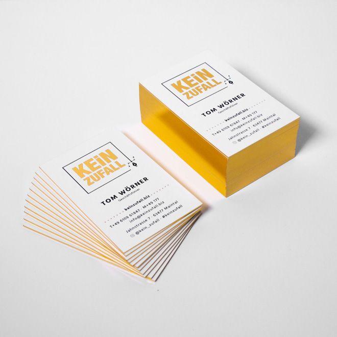 Zweifarbige Visitenkarten In Gold Und Schwarz Geprägt Auf