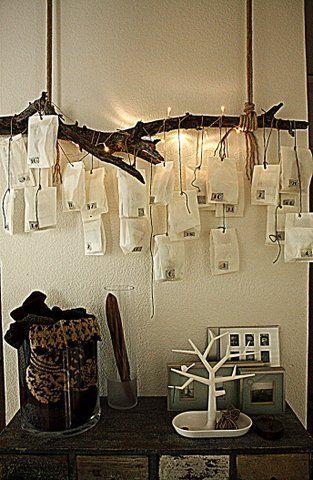 Adventskalender aus Butterbrottüten ⭐️ Advent-Calendar from Sandwich-Bags (Butterbrottüten mit Zahlen verzieren, füllen und an einen Ast hängen)