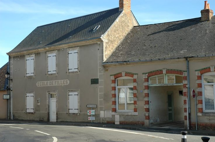Montbizot, Sarthe. Pop: 1706