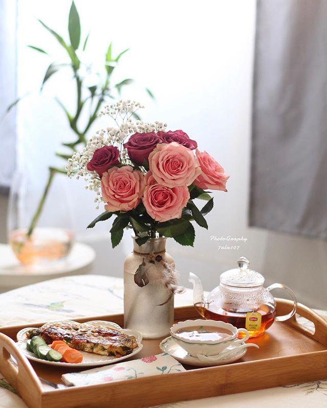 و يحدث ان تواسيك الشمس مجددا كل صباح ㅤصباح الخير ㅤ ㅤ By 7ala107 ㅤ Chosen By Rawasi ㅤ التقييم مـن 5 ㅤㅤㅤㅤ Table Decorations Decor Coffee