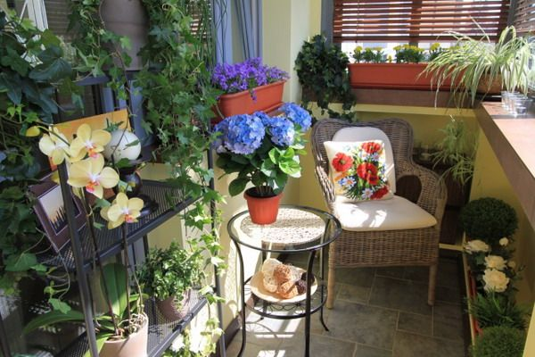so many great ideas for small balconies
