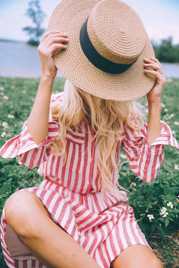 Red and White Stripes and a Lost Key - Barefoot Blonde by Amber Fillerup Clark