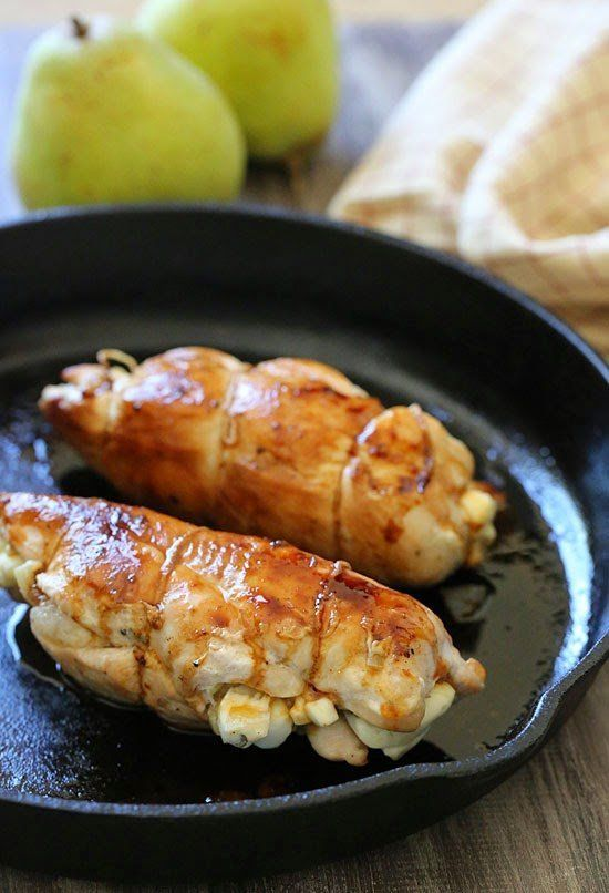 chicken breast stuffed with procuitto pear and arugula