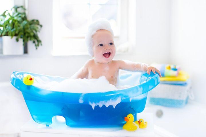 たった400円で!赤ちゃんとお風呂に入れる便利グッツ | mamanoko(まま ... バスチェアの存在は、以前から知っていましたが、冬の期間は湯冷めが心配でしたのでずっと保留にしており、そのままズルズルと購入に至っておりませんでした。