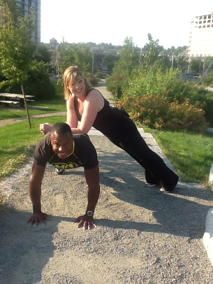 BT Live Eye Host Dawn Chubai putting fitness expert Tommy Europe through his paces. #tommyeuropeabs #absandcore