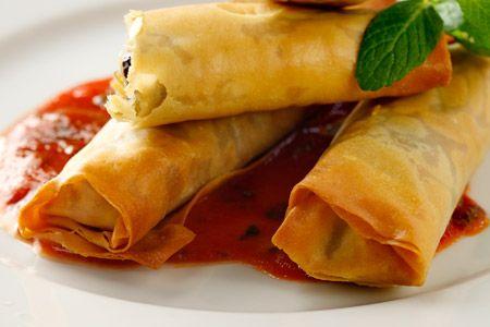 Μυρωδάτα μπουρεκάκια με κολοκύθια και τυρί - Συνταγές | γαστρονόμος