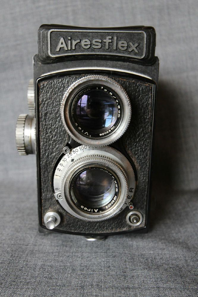 Airesflex II TLR camera with Aires Excelsior AC 75mm/F3.5 lens #rarecamera #camera #vintagecamera #retrocamera #oldcamera #cameracollection