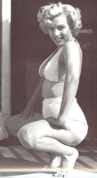 Real bikini body! Andre de Dienes - Marilyn Monroe - 1953
