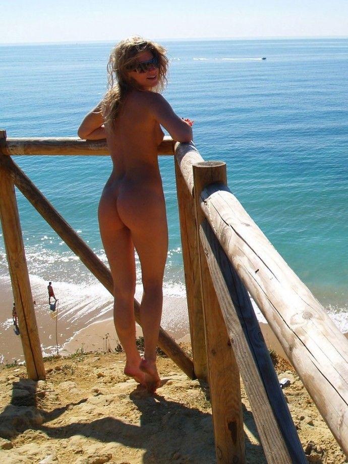 Naked singles resorts