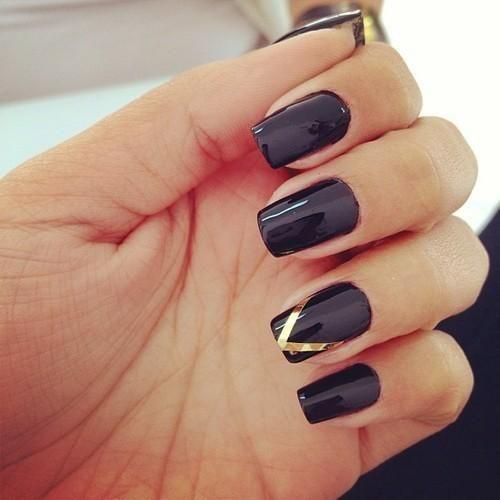14 zjawiskowych paznokci w kolorze czerni