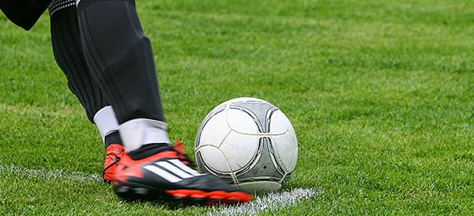 Movistar tuvo batalla en distintos frentes durante el 2015, sin embargo, jamás ha dejado de ser agresivo y mantenerse como líder en el mercado (aun cuando sus decisiones no han sido tan acertadas para algunos clientes). Y uno de los principales inconveniente, del que intentaron sacar gran provecho sus competidores, era lo referente al fútbol,