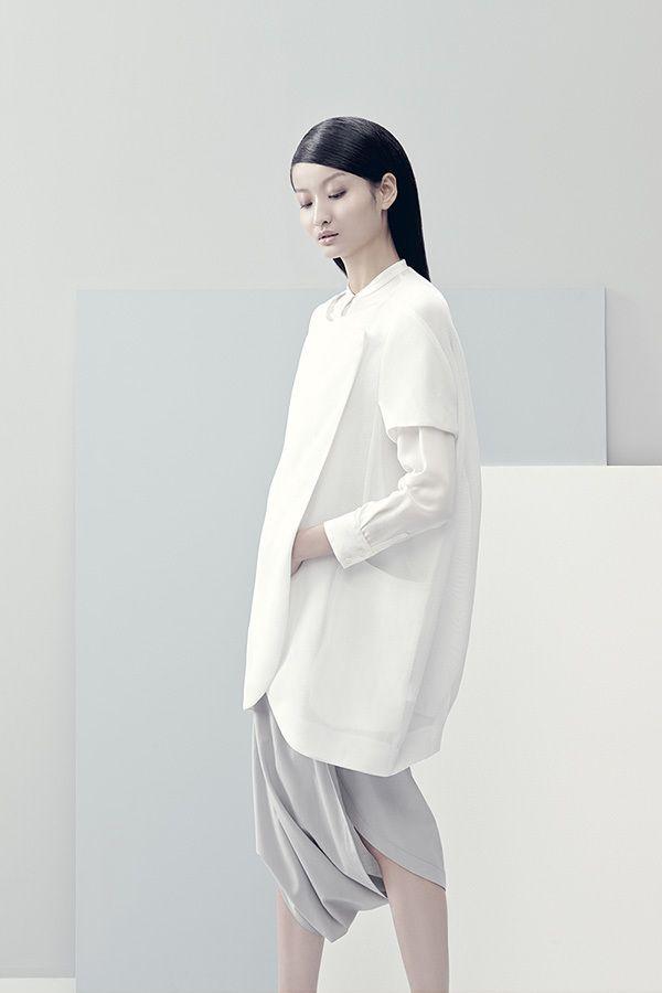 Liu Xu con el maquillaje y peluqueria por Hong Yao para Less S/S 2014 por Matthieu Belin & Liao Dan ph.