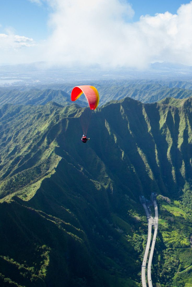 Fall In Love With Hawaii With These Gorgeous Paragliding Photos