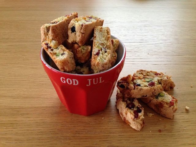 Gunns momsemat: Biscotti med tranebær, pistasj og hvit sjokolade