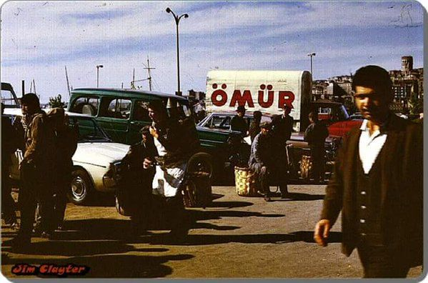 Eminönü'nde Ömür Restoran'a ait bir kamyon (1963)  F: Jim Clayter #birzamanlar…