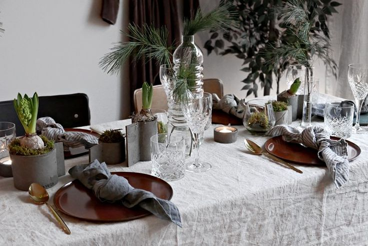 1000 ideas about lunch table on pinterest john singer for Christmas lunch table setting ideas