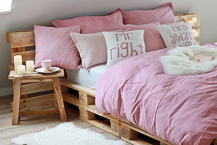 best 20 bett aus paletten ideas on pinterest. Black Bedroom Furniture Sets. Home Design Ideas
