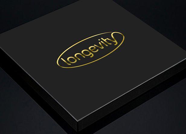 """Diseño de logotipo para Longevity, una firma mexicana de productos """"anti-edad"""" creados a partir de extractos naturales. El logotipo representa el nombre de la marca rodeado de una elipse que surge de la prolongación de la última letra y que rodea toda la palabra para representar así el concepto de longevidad."""