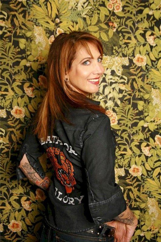 Hannah Aitchison - tattoo artist.