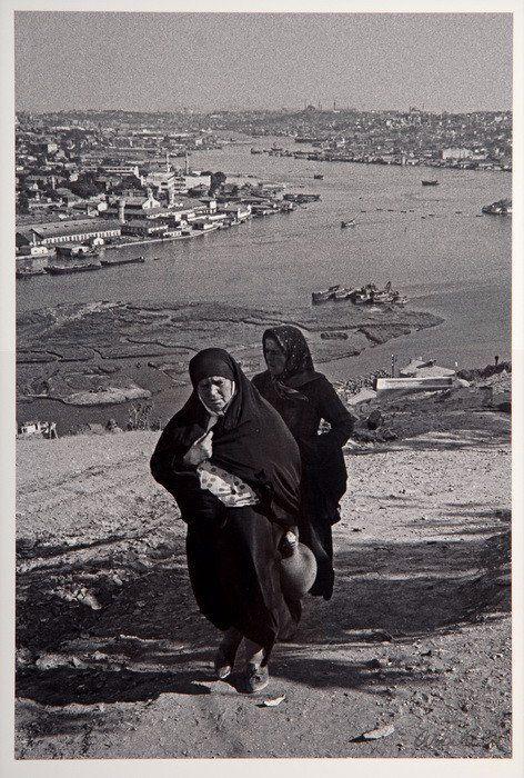 stanbul'un Hafızası: Ara Güler.1975 Eyüp sırtlarından bir görünüş