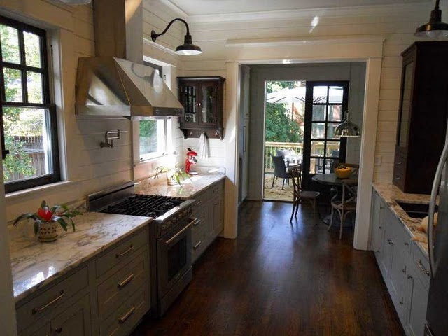 Bungalow kitchen love 39 n remodel ideas pinterest for Perfect galley kitchen