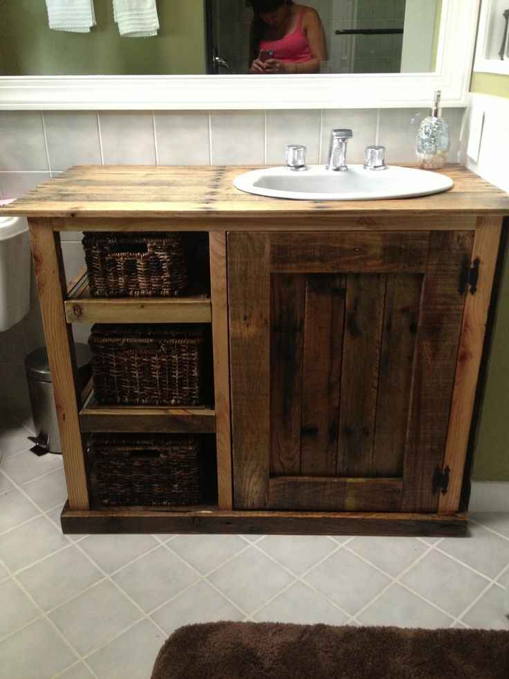 Pallet vanity - but make it symmetrical by adding shelves on the other side.