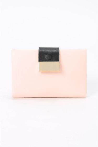 MARY AL TERNA CARDケース  MARY AL TERNA CARDケース 16200 名刺入れとしても活用可能なカードケース おしゃれさが詰った一点です MARY AL TERNA ( メアリ オル ターナ) 良質な革小物やバッグに定評のあるドメスティックブランドED ROBERT JUDSON(エドロバートジャドソン)のレディースライン 女性の仕草にフォーカスして生み出すアイデアツール フェミニズミを基に画期的なアイデアで今までにないツールを提案します