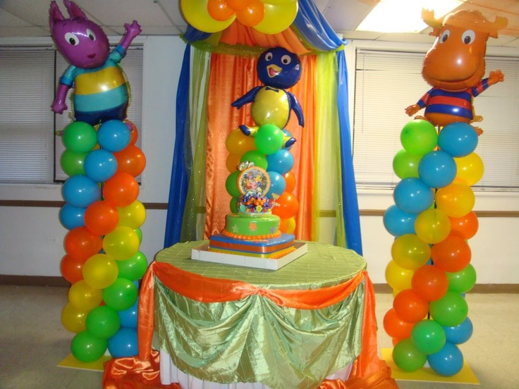 Backyardigans theme party by me balloon ideas for Backyardigans party decoration