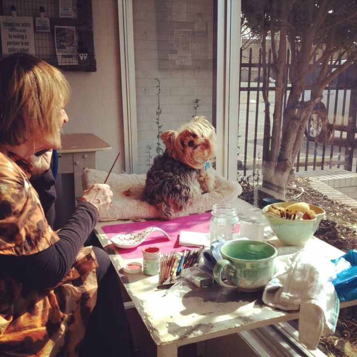Olivia and Skully in the Welcome Studio, Spring 2014. https://www.facebook.com/photo.php?fbid=10151990939948562&set=a.10151166381593562.457248.765768561&type=3&theater