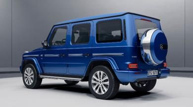Mercedes-Benz G-Class (W 463) Facelift, G 500 in brilliant blue with 19-inch 5-twin-spoke light-alloy wheels, Stainless Steel package, LED tail lights and Stainless steel spare wheel cover