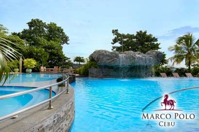 Luxurious Cebu Getaway: Overnight Stay at Marco Polo Plaza with Breakfast Buffet for P2199 instead of P3800 per Person