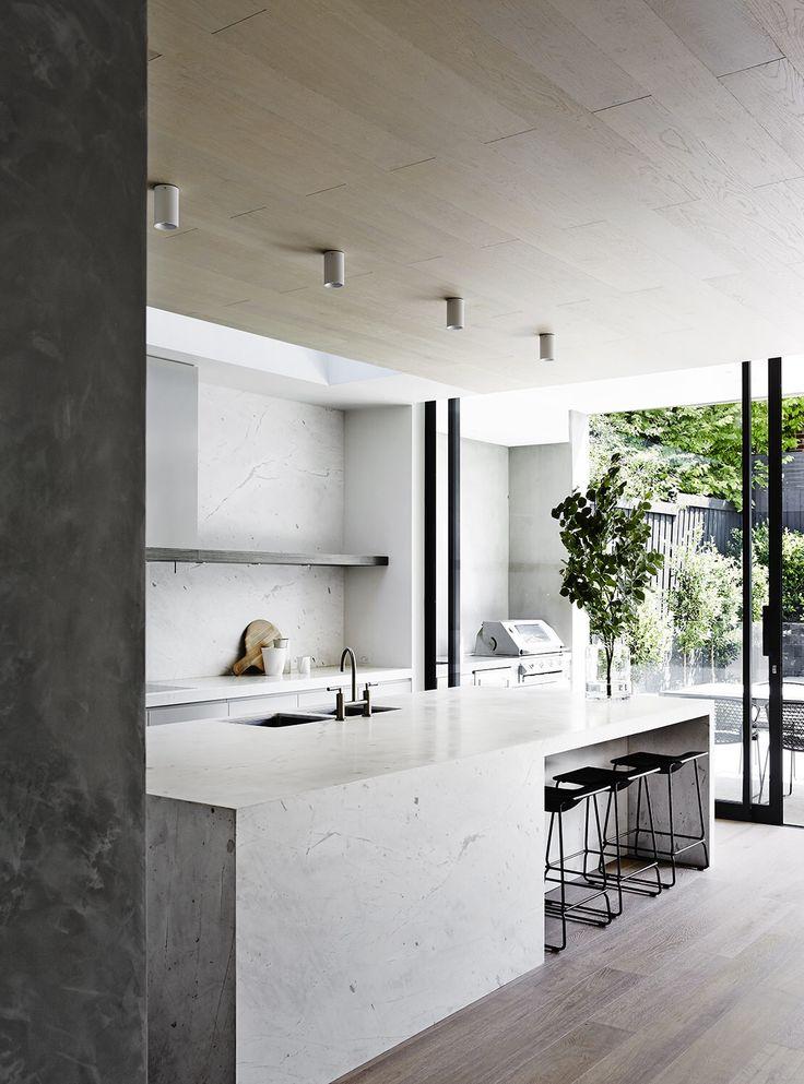 Stunning Elba White Marble kitchen, designed by @mimdesignstudio 😍. Photography by @sharyncairns  #cdkstone #elbawhitemarble #elbawhite #marble #dolomite #elbadolomite #kitcheninspiration #naturalstone #lovestone #designinspiration