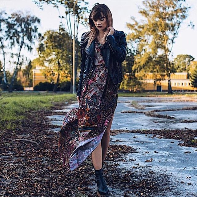 Co powie na MAXI na jesień?;) 🙀🙀🙀😍dziś rabat na sukienki dla WAS👌🏻aż 20% na hasło: pazdziernik10 👍👍👍➡️www.mosquito.pl #ootd #look #sukienka #sukienkamaxi #sukienkanajesien #sukienkamosquito #momlife #mosquito #mosquitopl #onlineshop #onlinestore #shopping #zakupy #rabat #promocja @gosiabednarczuk