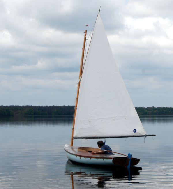Implications of Increased sail area on 16' Melonseed skiff | Aeolian_Pelagic