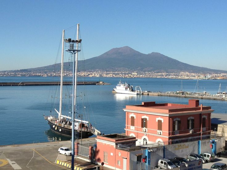 Golfo di Napoli - Vesuvio visto dal Porto di castellammare di Stabia. ------------------------------- http://goo.gl/Z0T1nb (2048×1536)