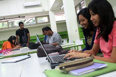 Menkominfo Tak Digubris, Bisnis Internet Jadi Korban