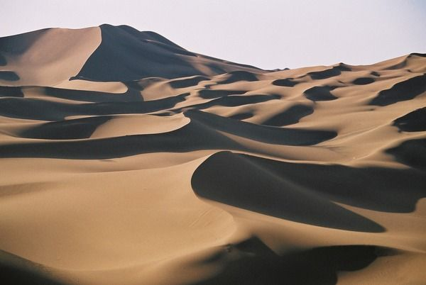 Taklamakan Desert, where Shonku got into a UFO that proceeded to destroy some of the world's greatest monuments (UFO)