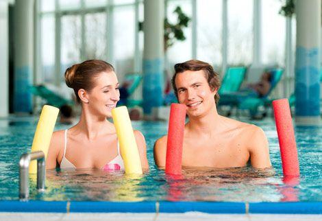 Allenamento addominali da fare in piscina