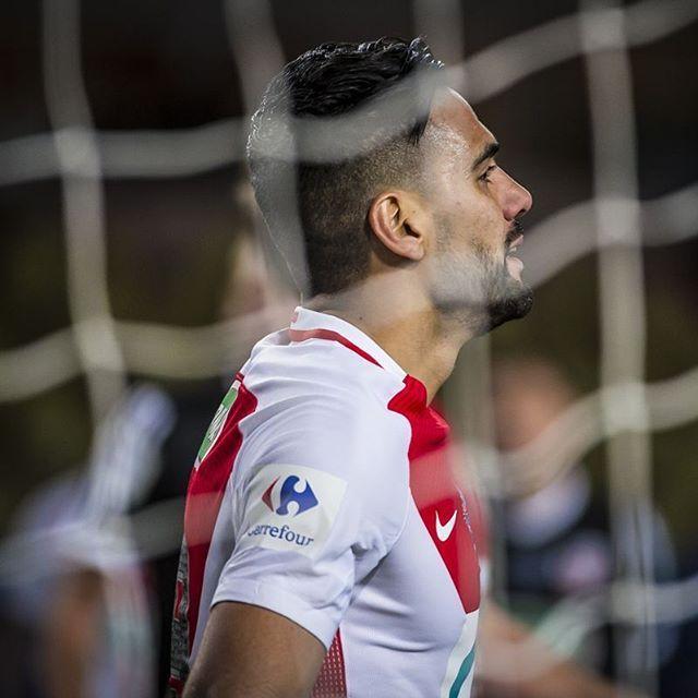 15e but de la saison pour @falcao ! 🇬🇧 @falcao's 15th goal of the season ! 🇵🇹 15 golos para @falcao esta época ! 🇪🇸 15 goles esta temporada !  #ASMACA #ASMonaco #Monaco #UniqueForever #GoMonaco #foot #football