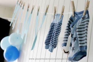 Bokstaver i papir og de første barneklærne