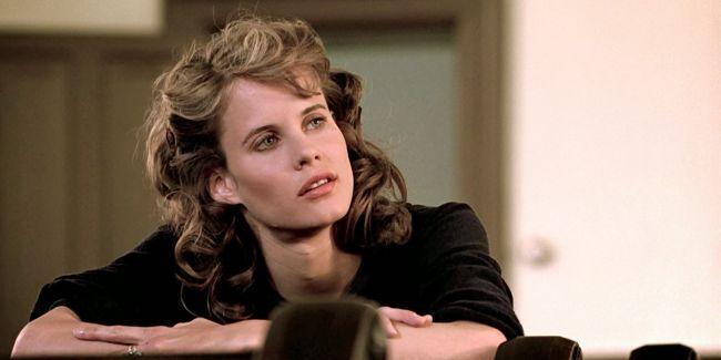 Η Lory Singer ήταν το ατίθατο κορίτσι που ερωτεύτηκε ο Κέβιν Μπέικον στην ταινία «Footloose». Περισσότερα