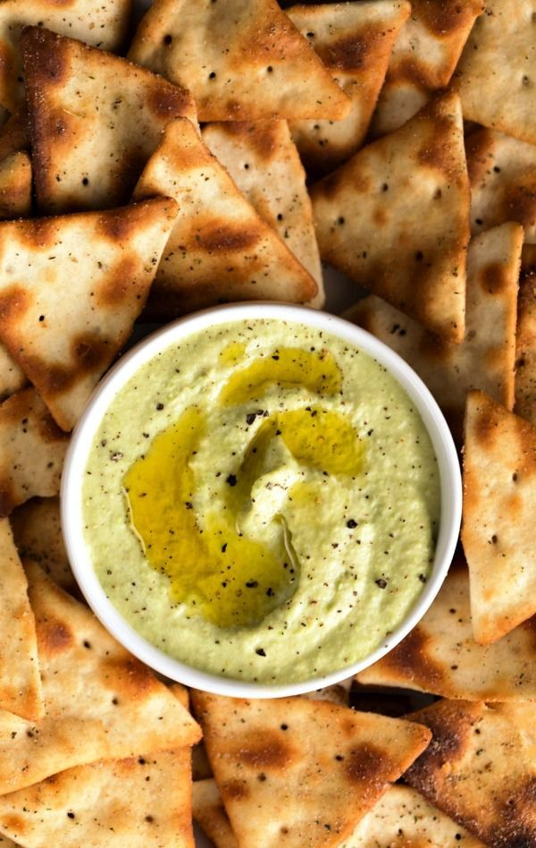 Wow your guests with this Roasted Garlic Edamame Hummus recipe! And for an extra flavorful bite, dip Town House Mediterranean Herb Pita Crackers into this delicious appetizer.
