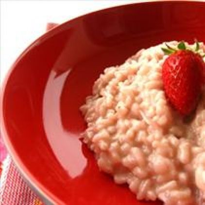 Ingredients: 400g Arborio or Carnaroli rice 300g strawberries, blended to a puree 1 onion, finely chopped 3 tbsp. butter 300 ml white wine 1 -1.5 liters vegetable stock 100g freshly grated parmesan 2 tbsp mascarpone cheese or butter to finish