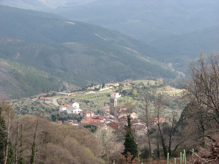 Vistas de Herguijuela de la Sierra desde el paraje donde se encuentra el Haya.