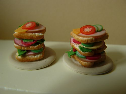 Miniature sandwiches handmade by Nallemama. 1:12.